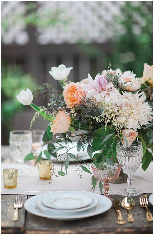 30. Geburtstag: Feier mit Party im Garten mit Chamapgner, tollen Ideen, floraler Dekoration und Essen.