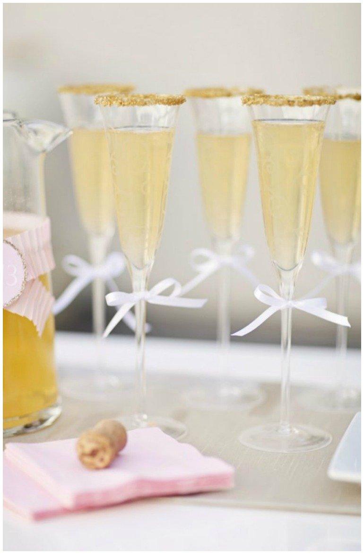 Silvesterparty mit tollen Dekoideen in dGold und Rosa und leckeren Rezepten