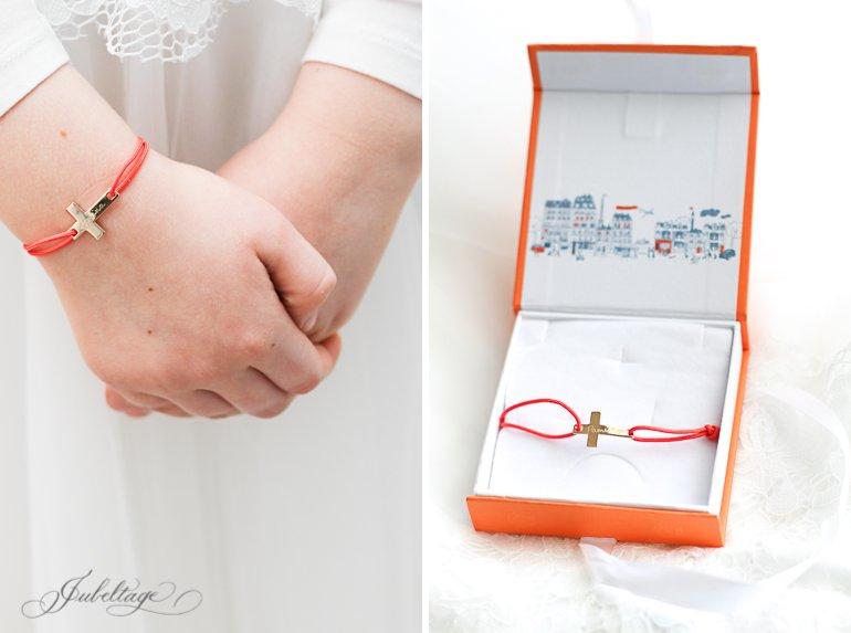 Geschenk zur Kommunion: Armband mit Namen Merci Maman
