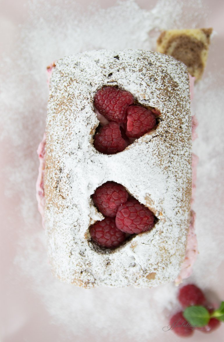 Marmor Kuchen mit Himbeer Herzen
