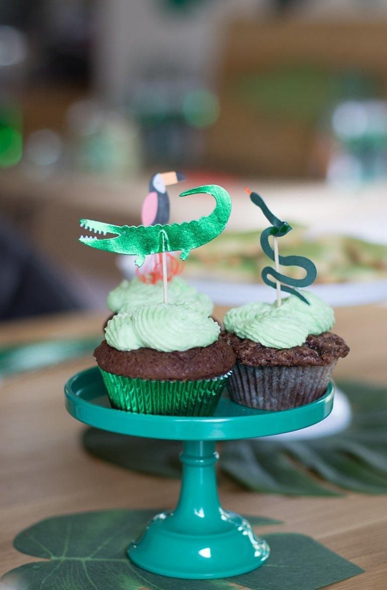 Krokodil Go Wild Dschungl Party für Kinder mit vielen Dekoideen, Cupcake-Torte und DIY