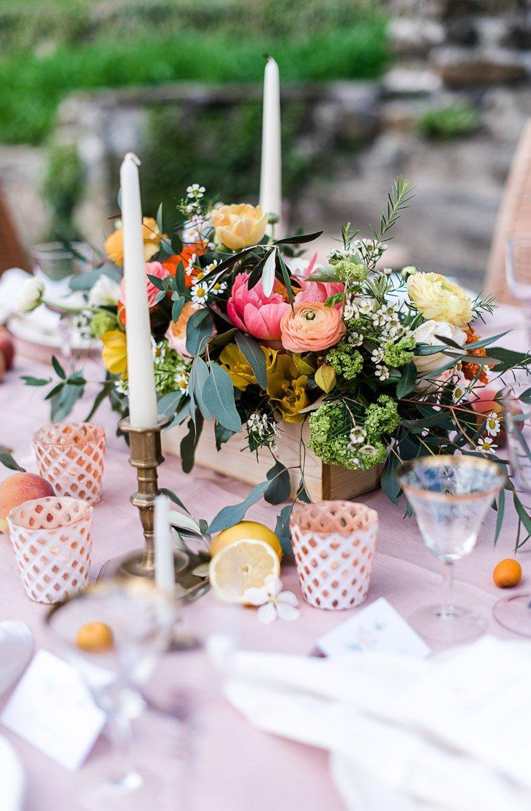 DIY Blumenschmuck Centerpiece für Hochzeit Sommerfest