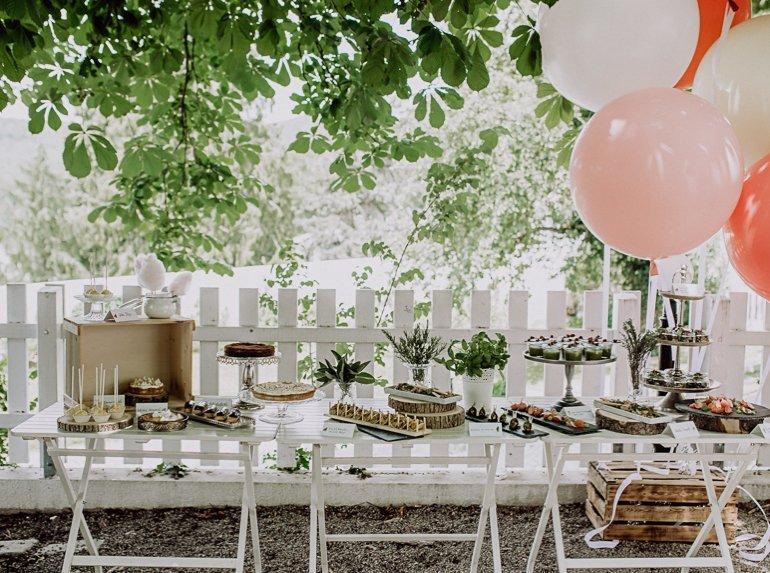 Sommerfest Gartenfest mit Fingerfood