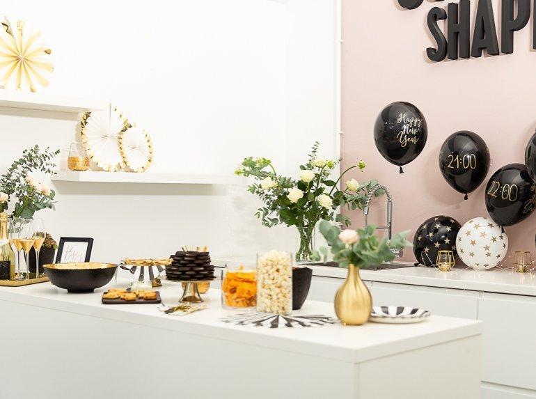 Silvester Party Dekoration in Schwarz Gold