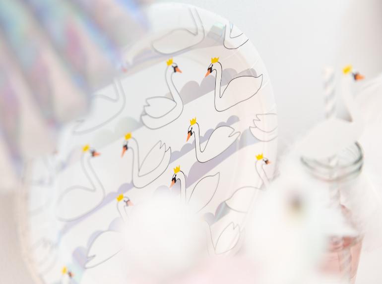 Schwanensee-Geburtstag oder Schwanengeburtstag mit Motivtorte und Deko-Ideen