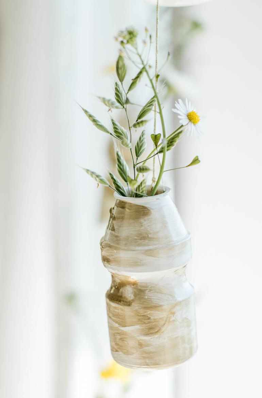 DIY Vasengrilande aus Yakult Flaschen