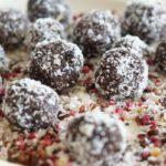 Schokoladige Energiebällchen – 5 Zutaten und 5 Minuten